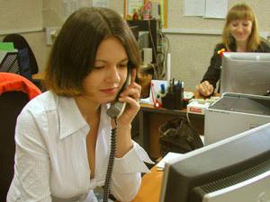"""C 4 мая в Саратове заработает """"горячая линия"""" по защите прав женщин."""